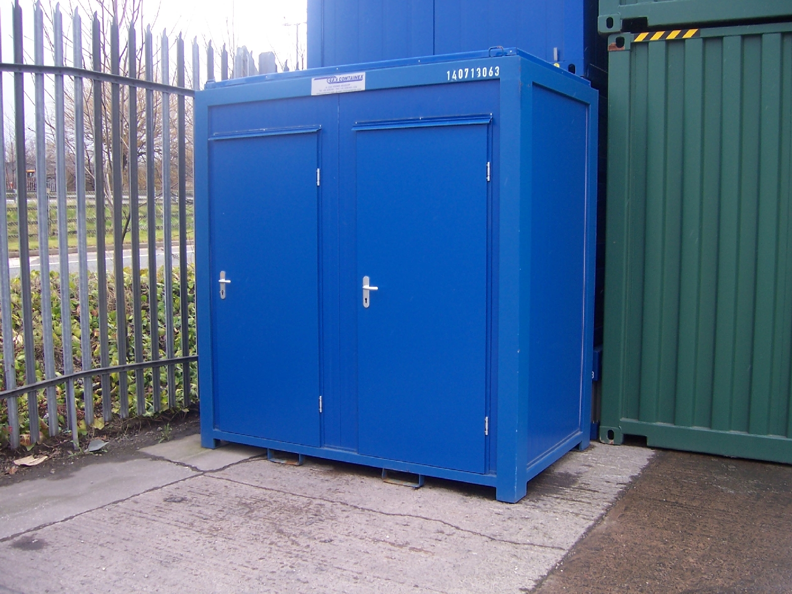 Second hand toilet block